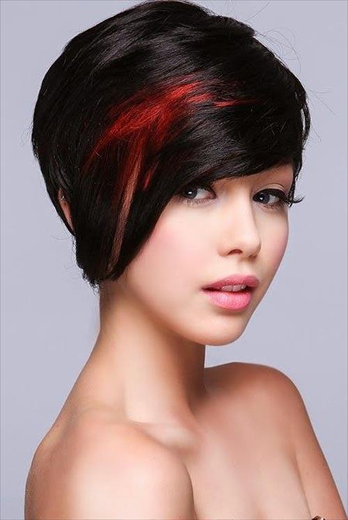cortes-de-pelo-mujer-2015-cabello-corto-con-flequillo-de-lado-y-mechas