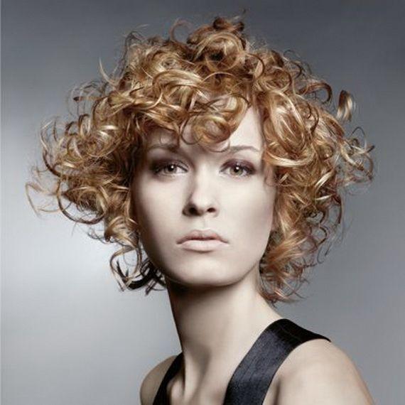 peinados-para-navidad-2013-pelo-media-melena-con-permanente