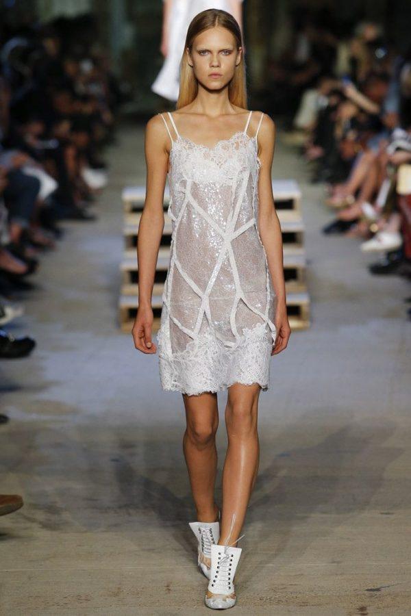 vestidos-de-encaje-2016-givenchy-primavera-verano-lentejuelas