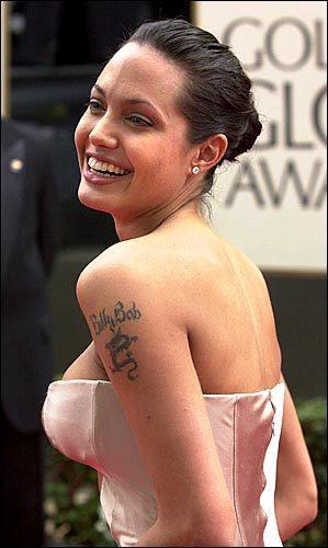 Los Tatuajes De Angelina Jolie 2020 Modaellas Com