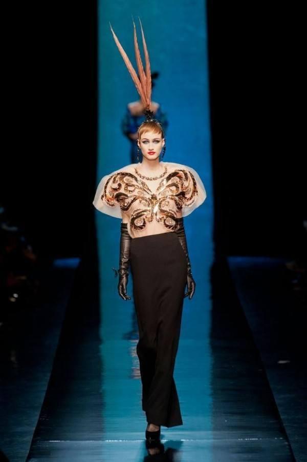 jean-paul-gaultier-primavera-verano-2014-blusa-mariposa-falda-larga