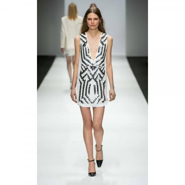 8-vestidos-de-coctel-para-navidad-y-nochevieja-2013-vestido-corto-blanco-negro-vanessa-bruno