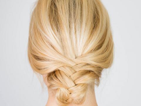 peinados-media-melena-recogido-bajo-con-trenzajpg