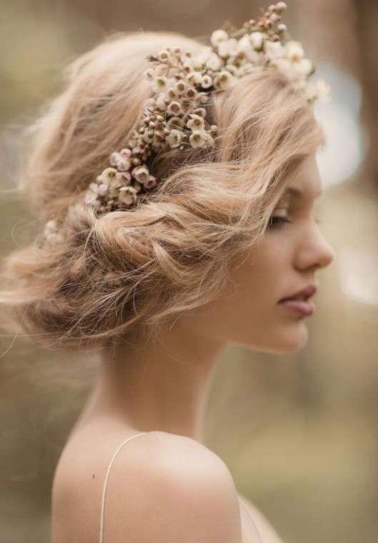 peinados-media-melena-recogido-bajo-para-novia