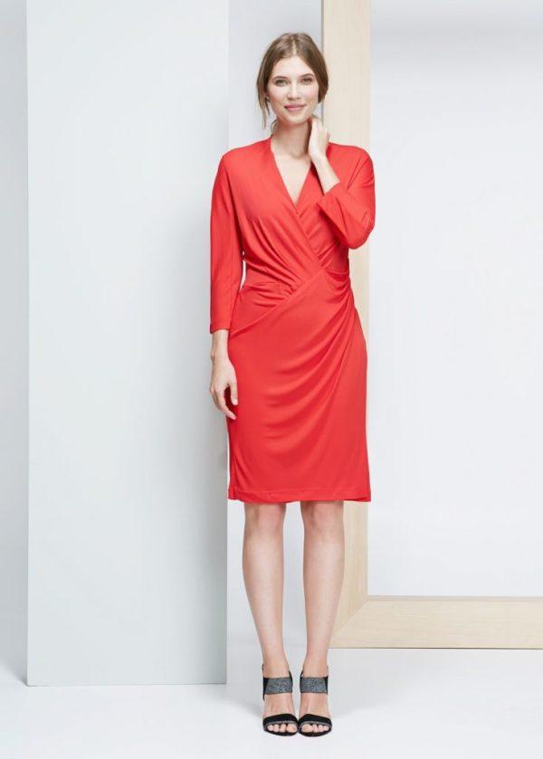 vestidos-de-noche-para-gorditas-MODELO-DRAPEADO-de-Violeta-by-Mango