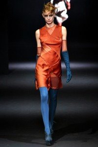 john_galliano___pasarela_800270102_320x480