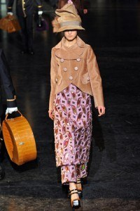 louis_vuitton___pasarela_809250456_320x480