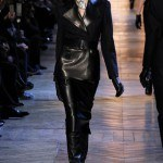 yves_saint_laurent___pasarela_321535216_320x480