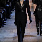 yves_saint_laurent___pasarela_403835118_320x480