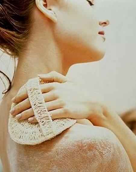 Soluciones para quitar los granitos de la espalda