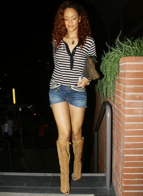 rihanna-shorts-and-boots