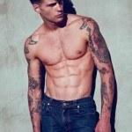 Tatuaje en color hombre 2014