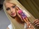 La transformación de mujer a muñeca