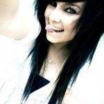 Emo pelo negro