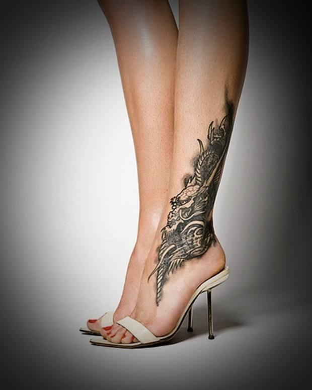 Propuestas de tatuajes de mujer más sexys 2015 tobillo