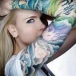 fotos-tatuajes-de-mujeres
