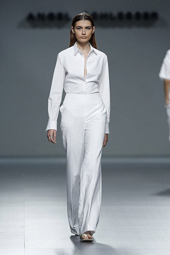 Tendencias-Moda-Madrid-Fashion-Week-primavera-verano-2014-blusa-pantalon-blanco-angel-schlesser