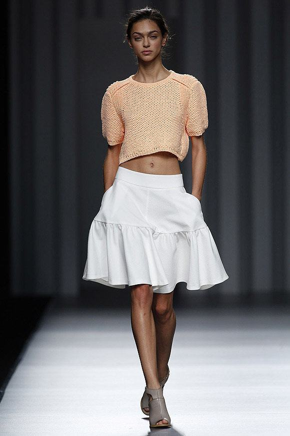 Tendencias-Moda-Madrid-Fashion-Week-primavera-verano-2014-falda-blanca-sita-murt