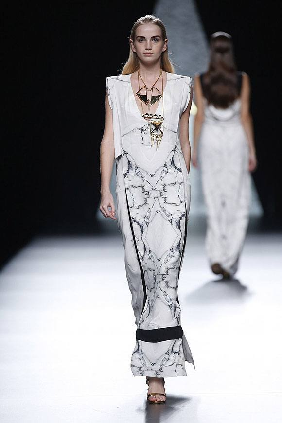 Tendencias-Moda-Madrid-Fashion-Week-primavera-verano-2014-falda-blanca-vestido-estampado-ana-locking