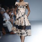 Tendencias-Moda-Madrid-Fashion-Week-primavera-verano-2014-vestido-estampado-victorio-and-lucchino