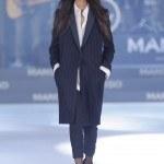 mango-primavera-verano-2014-traje-pantalon-abrigo-rayas