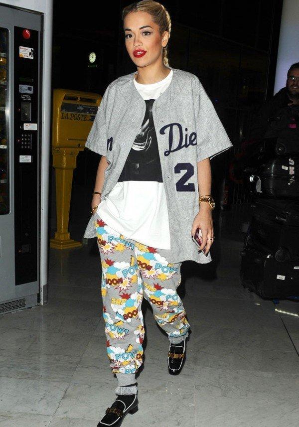 el-estilo-de-rita-ora-pijama-zapatos
