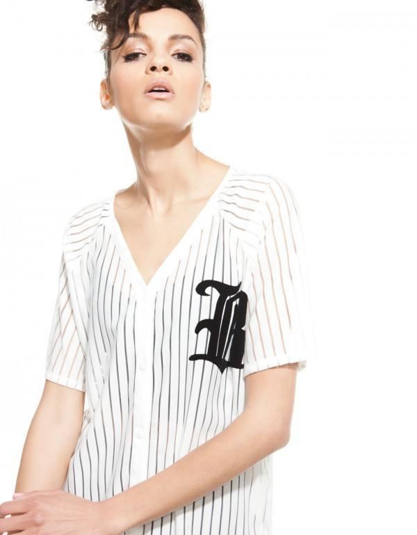 tendencias-camisas-para-mujer-primavera-verano-2014-tendencia-deportiva-beisbol-bershka