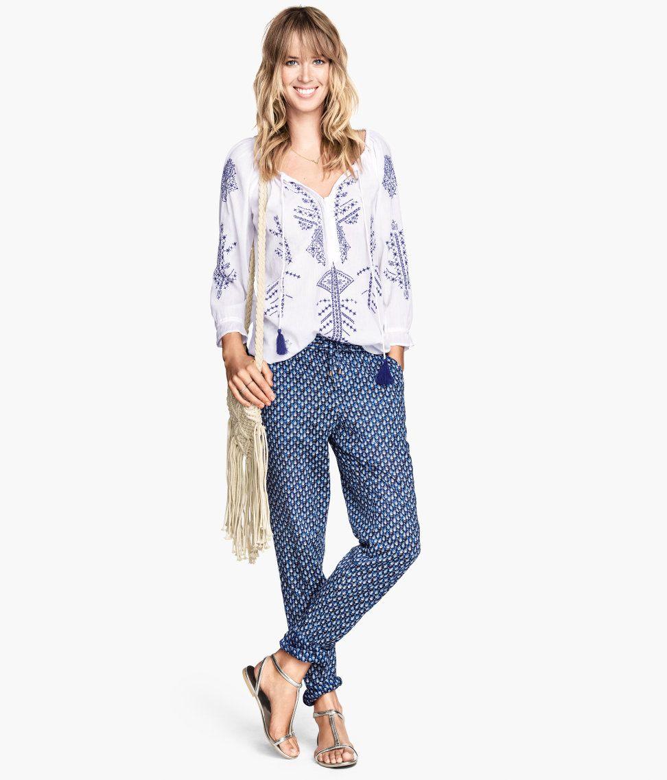 Pantalones de mujer para el Verano. Estilo hippie chic, boho etnico y alternativo. También tenemos modelos casuales de uso diario. Los pantalones afganos o árabes (cagados) pantalones corsarios y las últimas tendencias.