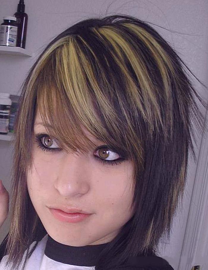 cortes-de-cabello-y-peinados-emo-para-chicas-hacerse-un-corte-de-cabello-emo