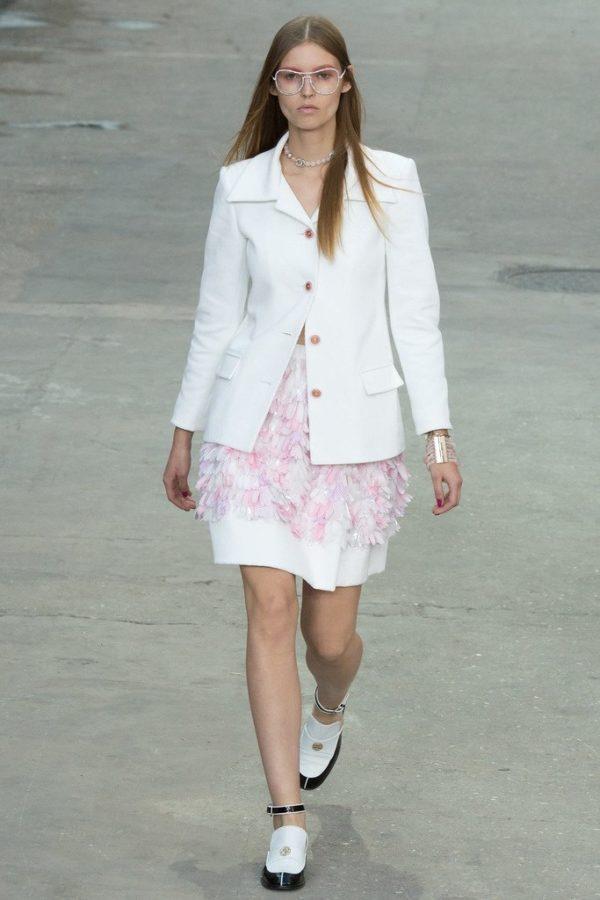 chanel-primavera-verano-2015.vestido-blazer-blanco