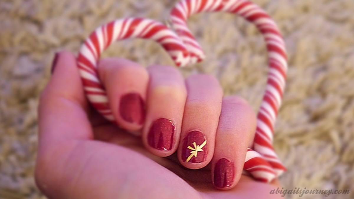 estilos-en-la-decoración-de-uñas-2015-uñas-en-rojo-con-lazo