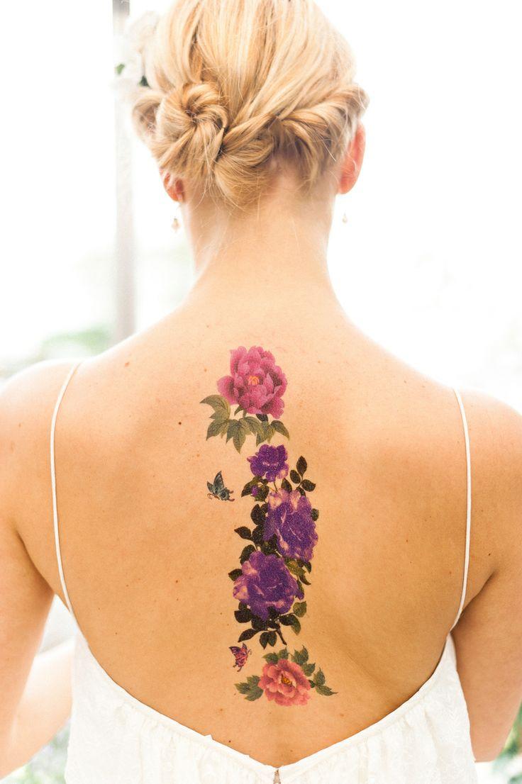 Propuestas de tatuajes de mujer más sexys 2015 centro espalda
