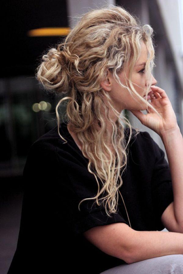 los-mejores-cortes-de-cabello-y-peinados-para-mujer-otono-invierno-2014-2015-pelo-rizado-estilo-despeinado-grunge
