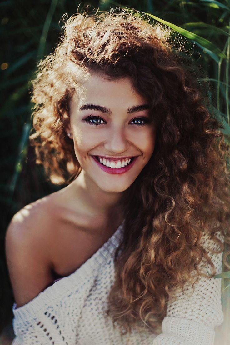 los mejores cortes de cabello y peinados para mujer otoo invierno  pelo rizado