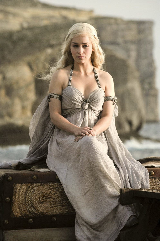 disfraz-juego-de-tronos-casero-para-halloween-2014-Daenerys-Targaryen