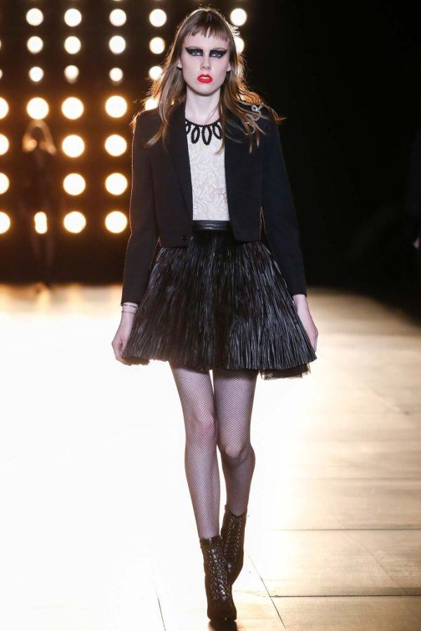 Catálogo Saint Laurent Mujer Primavera Verano 2015-2016-falda-corta-blazer-negro