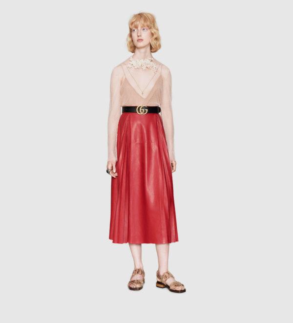 catalogo-gucci-para-mujer-otono-invierno-2015-2016-falda-cuero-estilo-retro