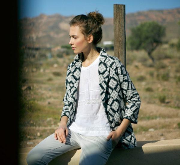 catalogo-indicold-para-mujer-otono-invierno-2015-2016-chaqueta-estampada