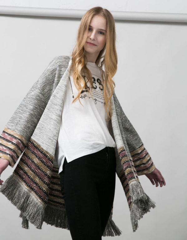 catalogo-bershka-2016-kimono-flecos