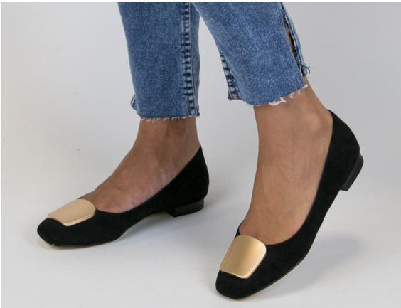 641e004b9 Hoy en día este bonito zapato se ha convertido en todo un referente en la  moda y podemos encontrarlas en distintas texturas