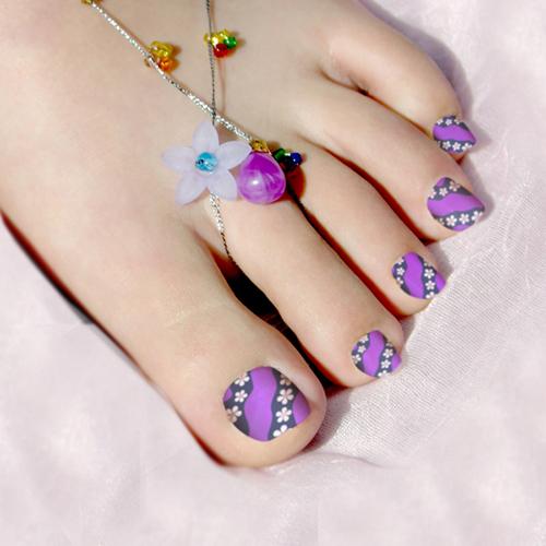 decoracion-de-uñas-de-pies-2015-colores-lllamativos