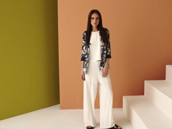 rebajas-sfera-de-verano-para-mujer-2015-blazer-estampado-pantalon-blanco