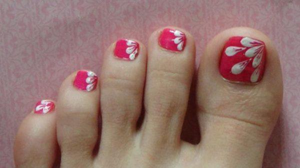 Nails-nails-drawing-white-base-pink