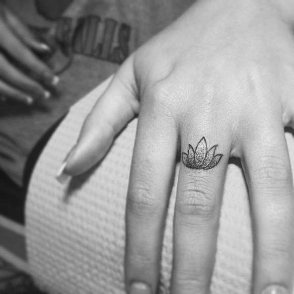 tatuajes masaje pequeño