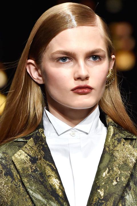 los-mejores-cortes-de-cabello-y-peinados-para-mujer-otono-invierno-pelo-largo-peinado-efecto-mojado--y-a-dos-tonos