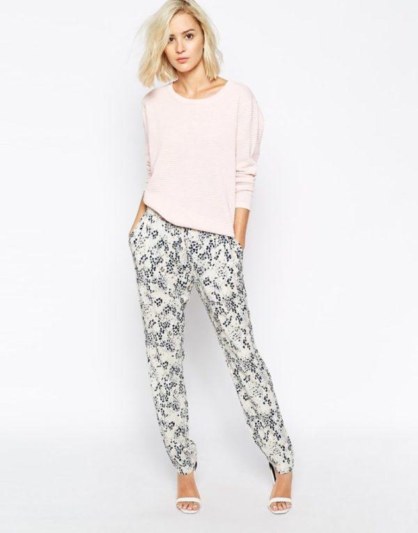 moda-otono-invierno-para-mujer-2015-2016-jeans-y-pantalones-PANTALONES-estampados-flores-ivana-de-just-female