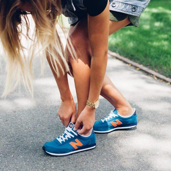 catalogo-para-mujer-new-balance-otono-invierno-2015-2016-zapatillas-modelo-410