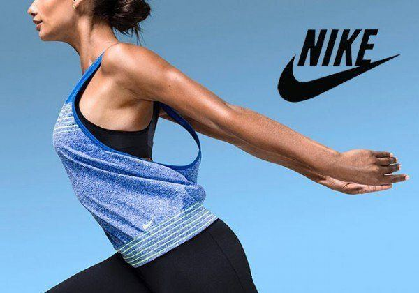 catalogo-ropa-deportiva-mujer-nike-camiseta-azul