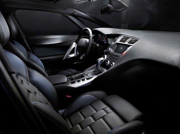 ds5-interior-600x449