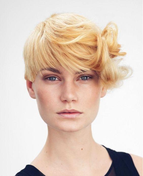 los-mejores-cortes-de-cabello-y-peinados-para-mujer-primavera-verano-pelo-corto-con-flequillo